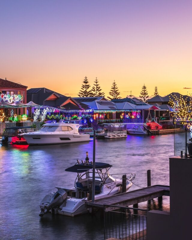 Come join us to be bedazzled by the canal Christmas lights. #Mandurah turns on the 🎅 magic from December, be quick to book a cruise to admire the wonderland on water > https://bit.ly/32Zyeet#mandurahmoments #visitmandurah #seeperth #wanderoutyonder #thisiswa #westernaustralia