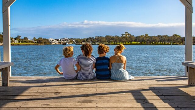 You'll gather a handful of moments and a lifetime of memories in #Mandurah this summer. Make your #mandurahmoment with these top summer ☀️ activities > https://bit.ly/2ISgoD4#visitmandurah #seeperth #wanderoutyonder #thisiswa #westernaustralia