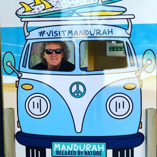 A cruise in a split-window Kombi is always fun, especially when you #visitmandurah  📷: @kcklimousines  #mandurahmoment #mandurah #seeperth #wanderoutyonder #thisiswa #westernaustralia