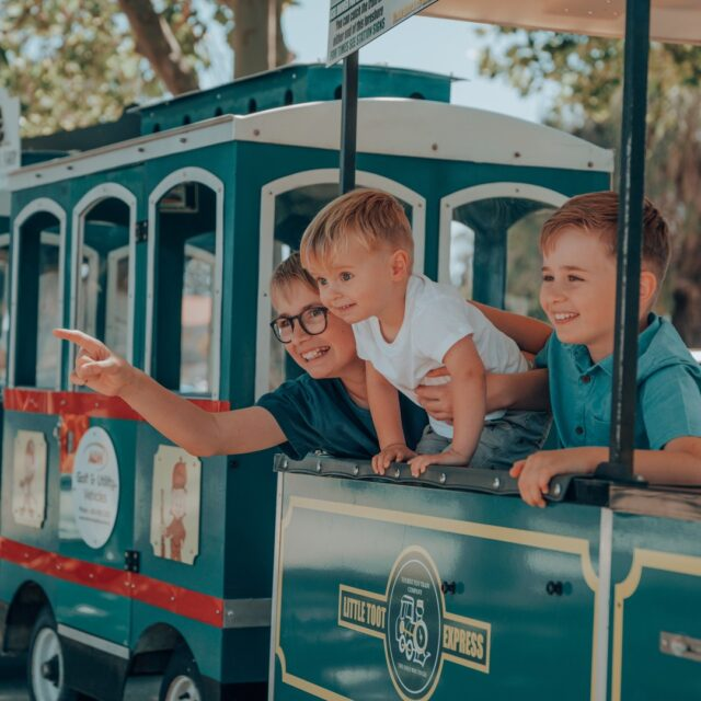 Keep your kids entertained these school holidays!  Just 1-hour from Perth CBD, they can ride the pirate cruise, go dolphin spotting, fishing, cuddle koalas at Cohunu Koala Park, burn some energy at a giant adventure playground and more.  To explore Mandurah's top school holiday activities, click the link in our bio.   #MandurahMoment #VisitMandurah #SchoolHolidays #WanderOutYonder #PerthIsOk